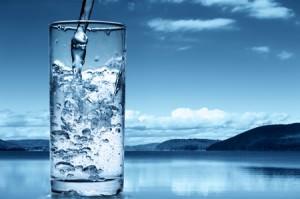 apa alcalina ionizata